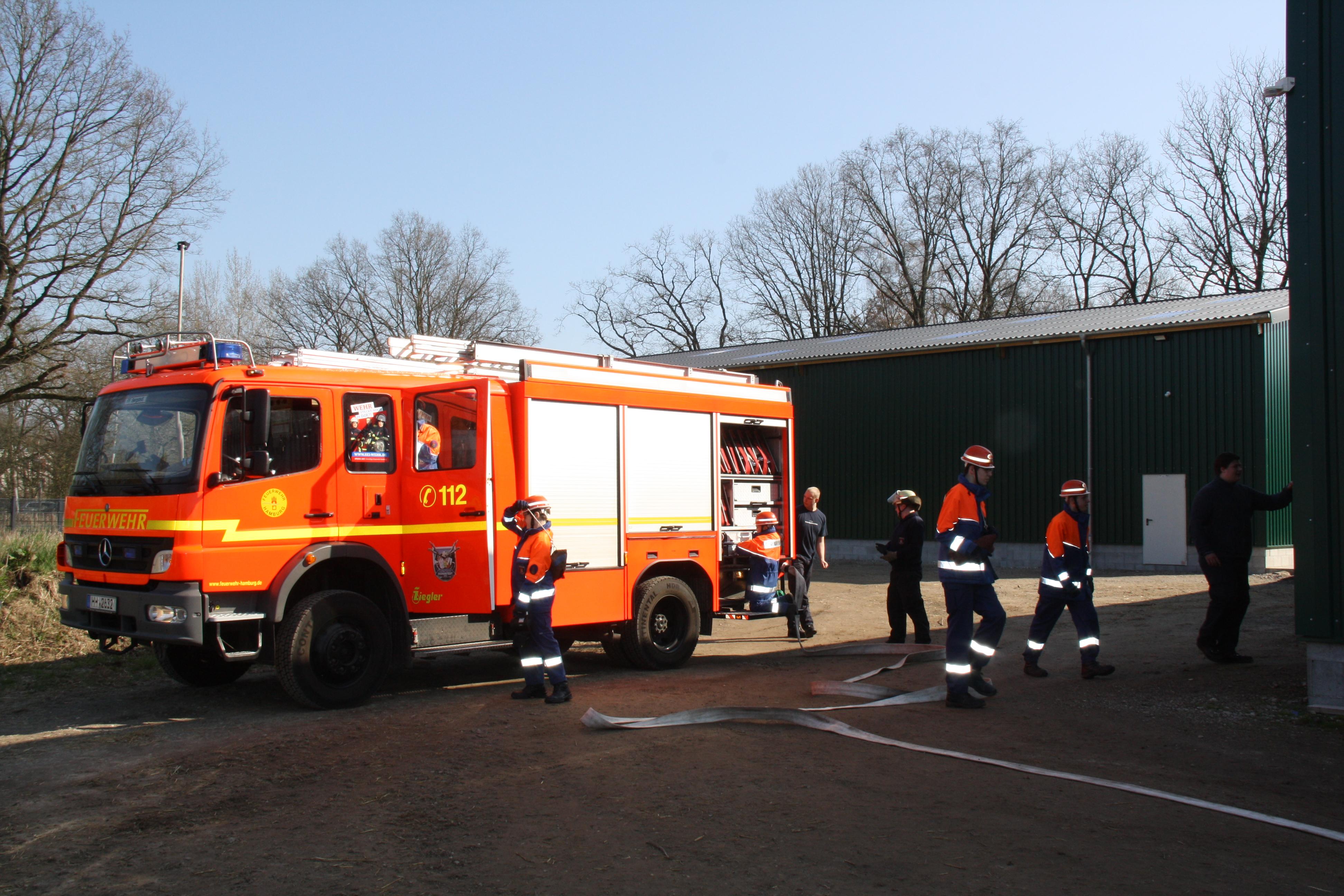 Vorbereitung der Brandbekämpfung.