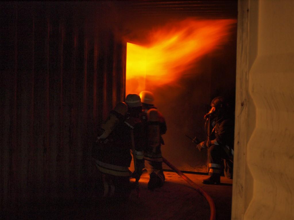 Rauchgasdurchzündung - Brandgewöhnungsanlage